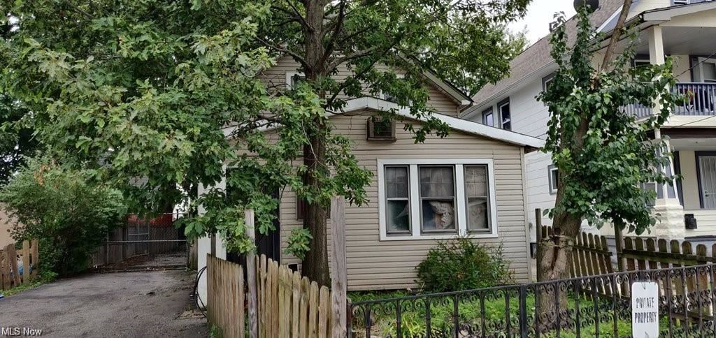 3585 W 60th Street, Cleveland, OH 44102 - #: 4318531