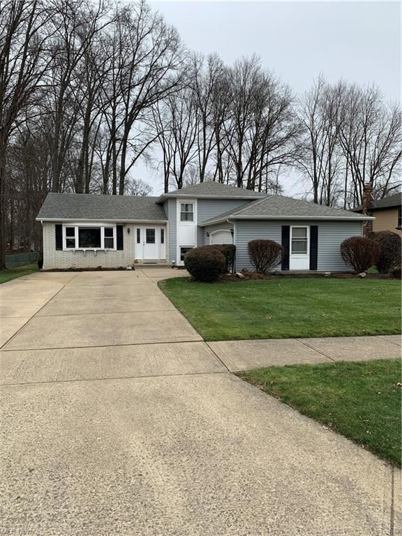 8581 Oakridge Drive, Olmsted Township, OH 44138 - #: 4249541