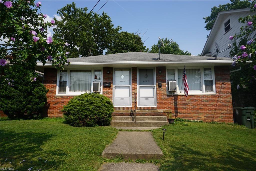 Photo of 1540-1542 Vassar Avenue NW, Canton, OH 44703 (MLS # 4303545)