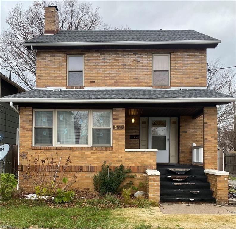 221 E 30th Street, Lorain, OH 44055 - #: 4242557