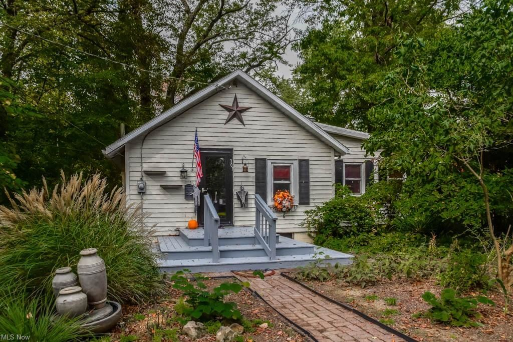 Photo of 301 21st Street NW, Massillon, OH 44647 (MLS # 4325564)