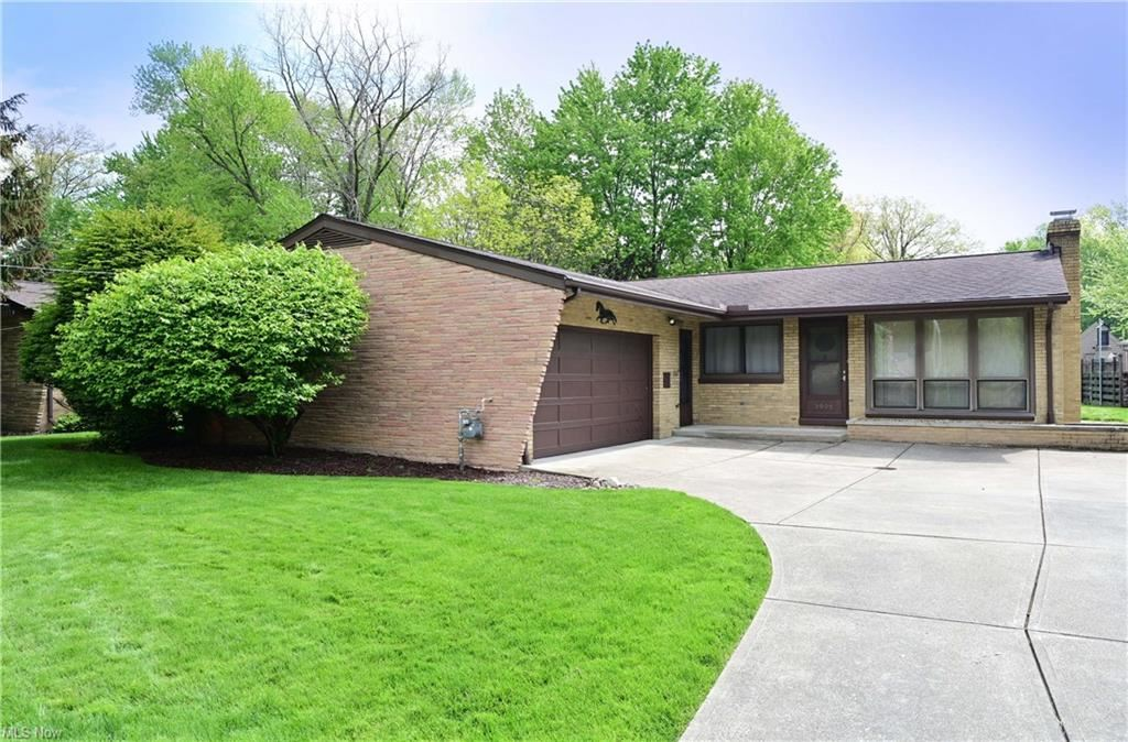 3905 Eleanor Drive, North Olmsted, OH 44070 - #: 4278578