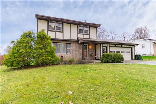 Photo of 111 Maplewood Drive, New Middletown, OH 44442 (MLS # 4154585)