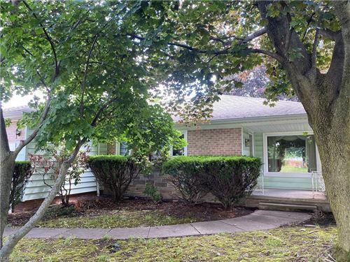 Photo of 1095 Hansford Road, Lyndhurst, OH 44124 (MLS # 4291592)