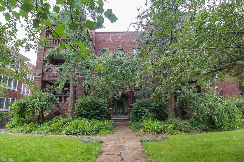 Photo of 2661 Euclid Heights Boulevard #7, Cleveland Heights, OH 44106 (MLS # 4299592)