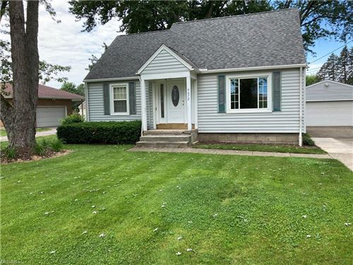 Photo of 4072 Center Road, Avon, OH 44011 (MLS # 4288595)