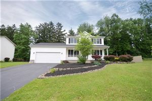 Photo of 3713 Castle Ct, Youngstown, OH 44511 (MLS # 4104606)