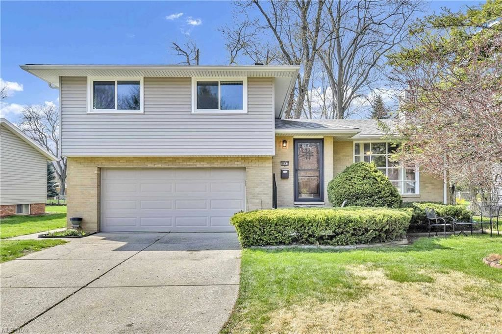 4642 Michael Avenue, North Olmsted, OH 44070 - #: 4268611