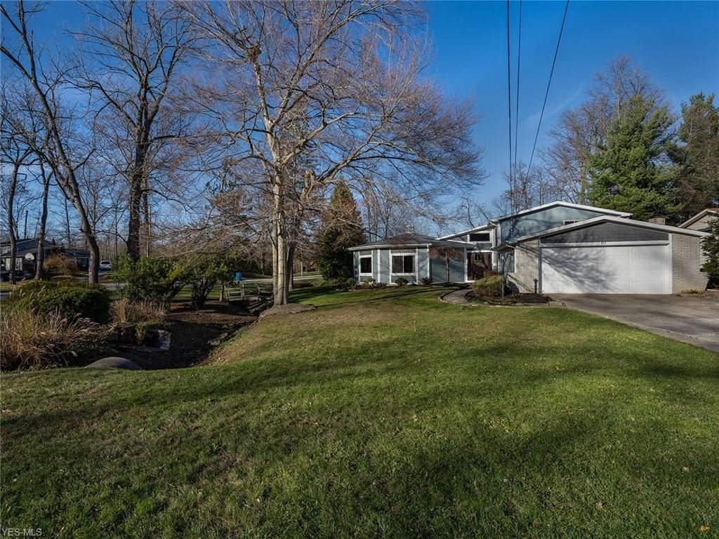 811 Valley Drive, Amherst, OH 44001 - #: 4240614