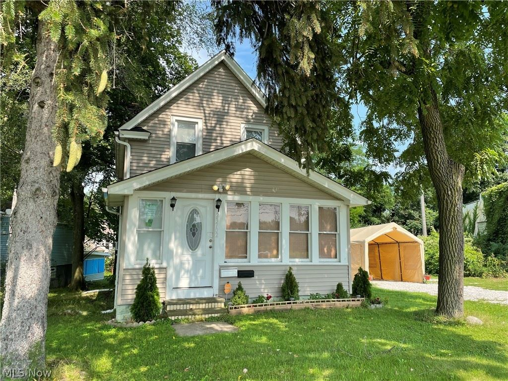 23702 Lorain Road, North Olmsted, OH 44070 - #: 4318641