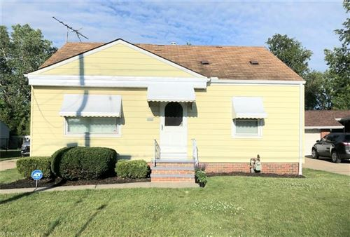 Photo of 4705 W 152nd Street, Cleveland, OH 44135 (MLS # 4290646)