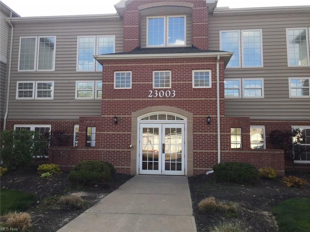 23003 Chandlers Lane #102, Olmsted Falls, OH 44138 - #: 4273647