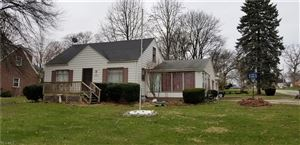 Photo of 960 South Belle Vista, Youngstown, OH 44509 (MLS # 4082662)