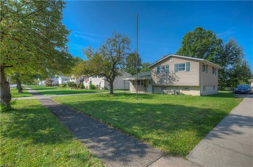 Photo of 6016 Gilmere Drive, Brook Park, OH 44142 (MLS # 4320696)