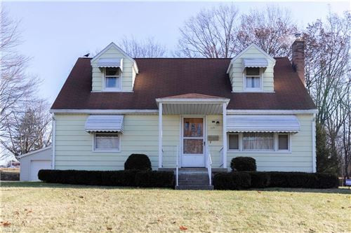Photo of 339 S Bon Air Avenue, Youngstown, OH 44509 (MLS # 4155712)