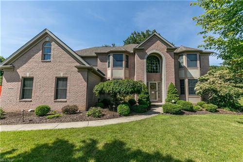 Photo of 5558 Hollythorn Drive, Brecksville, OH 44141 (MLS # 4289712)