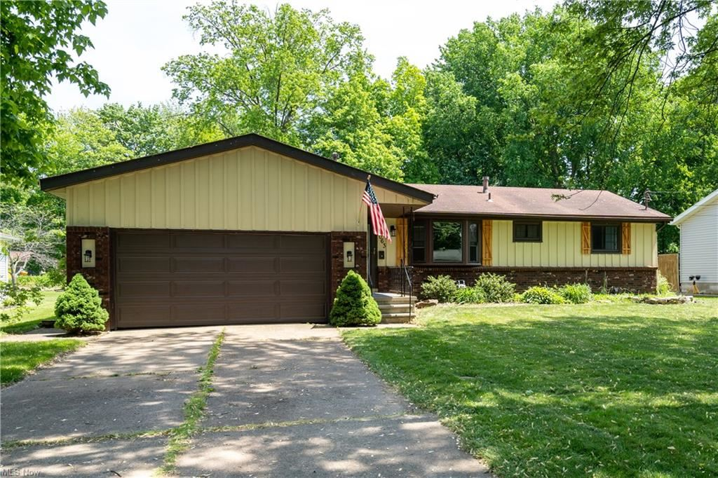1063 Plaza Drive, Amherst, OH 44001 - #: 4279724