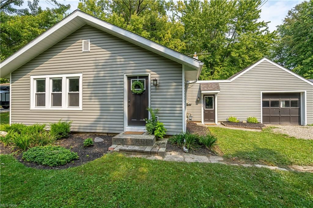 26682 Cranage Road, Olmsted Falls, OH 44138 - #: 4316726