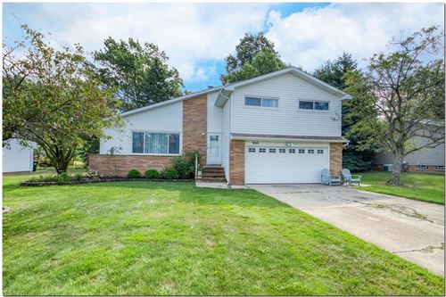 Photo of 995 Rose Boulevard, Highland Heights, OH 44143 (MLS # 4211732)