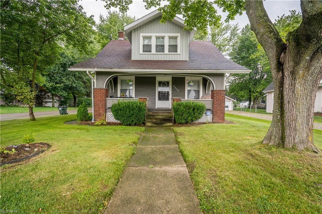 Photo of 5649 Ravenna Avenue, Louisville, OH 44641 (MLS # 4303732)