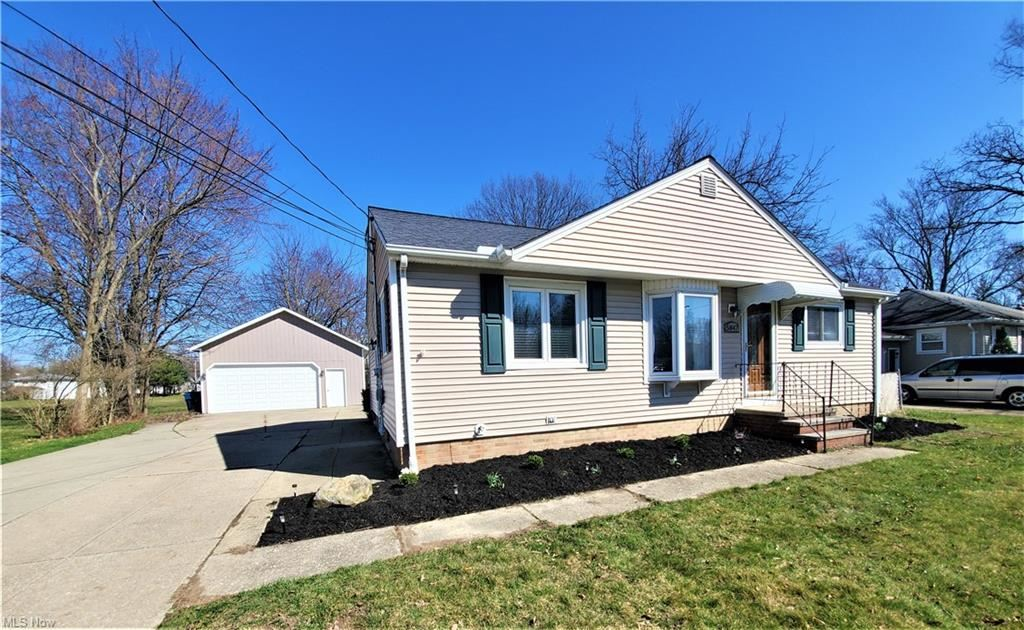 5847 Stearns Road, North Olmsted, OH 44070 - #: 4265742