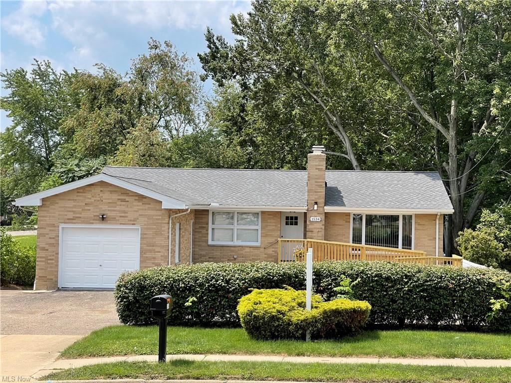 Photo of 1534 Brittain Road, Akron, OH 44310 (MLS # 4303757)