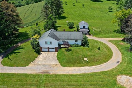 Photo of 1713 Crooked Rd Road NW, New Philadelphia, OH 44663 (MLS # 4203759)