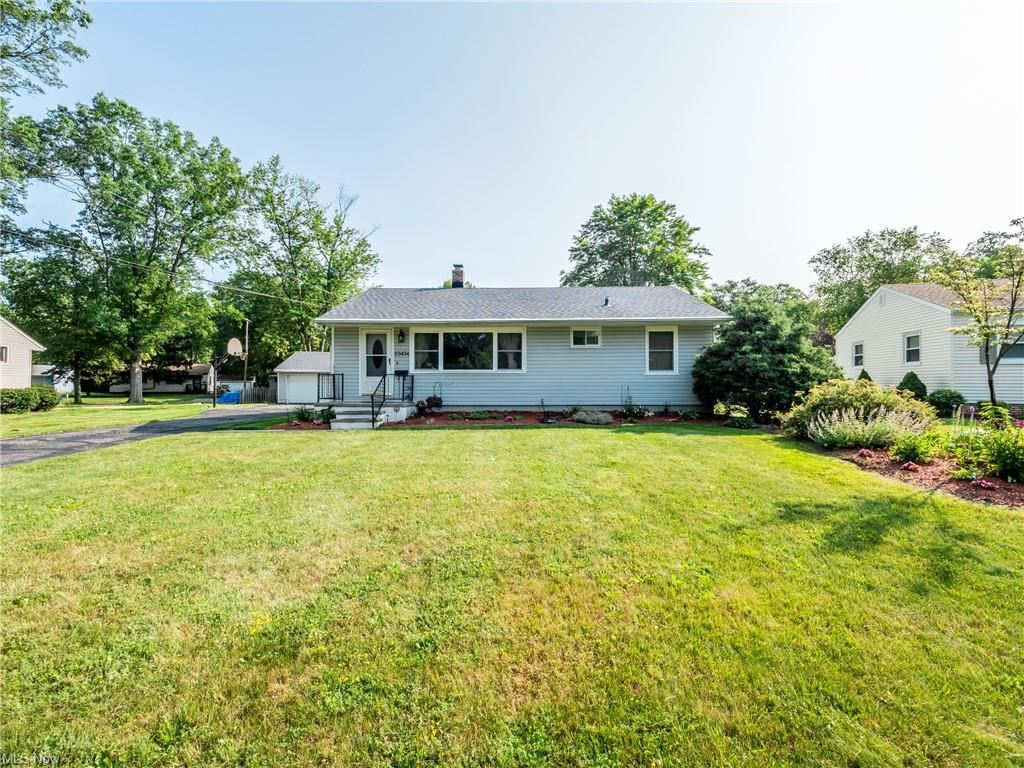 23434 Westchester Drive, North Olmsted, OH 44070 - #: 4294759
