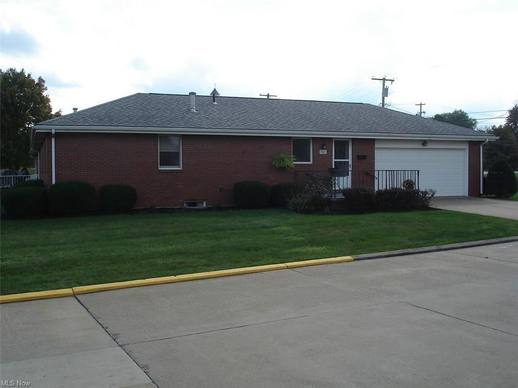Photo of 700 Springfield Road #C, Columbiana, OH 44408 (MLS # 4323759)