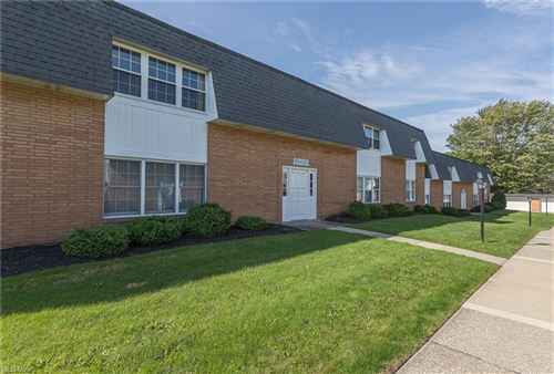 Photo of 6954 N Parkway Drive, Middleburg Heights, OH 44130 (MLS # 4324775)
