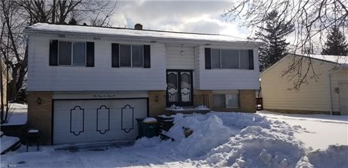 Photo of 14636 Rochelle Drive, Maple Heights, OH 44137 (MLS # 4257781)