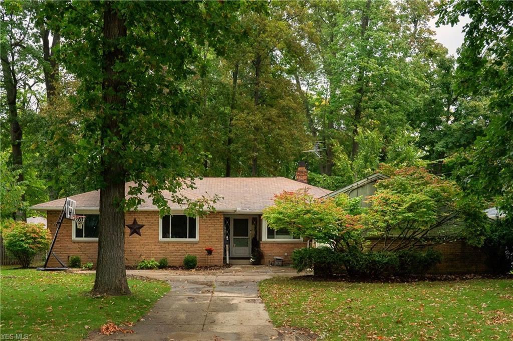 22134 Cottonwood Drive, Rocky River, OH 44116 - #: 4229787