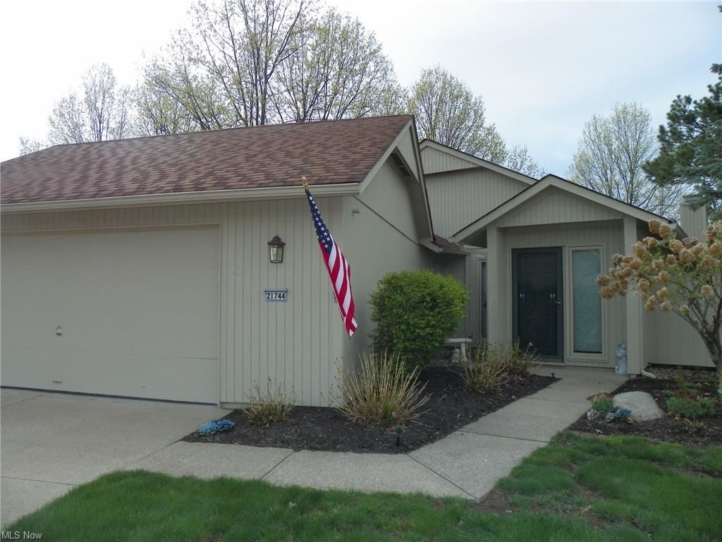 21744 Oak Bark Trail, Strongsville, OH 44149 - #: 4270788
