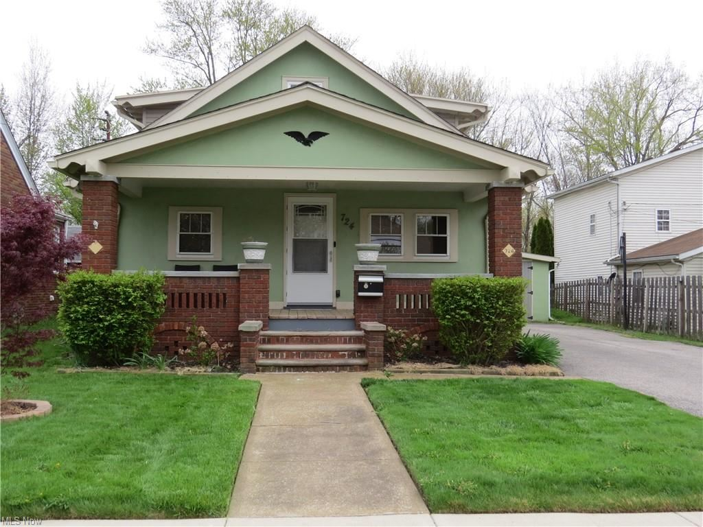 724 Elyria Avenue, Amherst, OH 44001 - #: 4271804