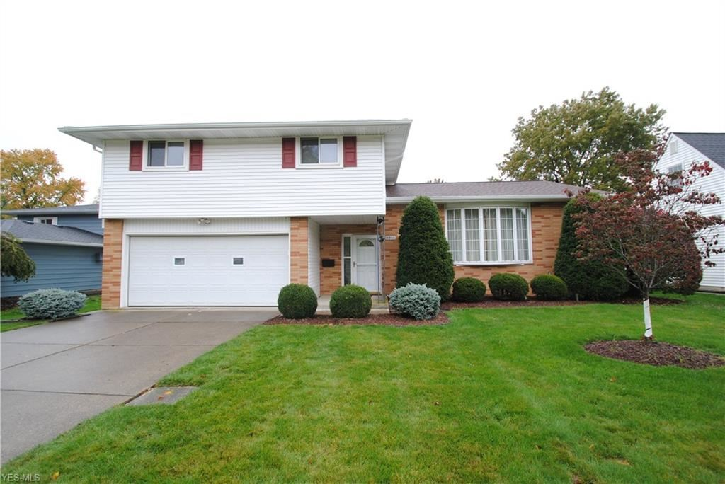 6041 Park Ridge Drive, North Olmsted, OH 44070 - #: 4230808