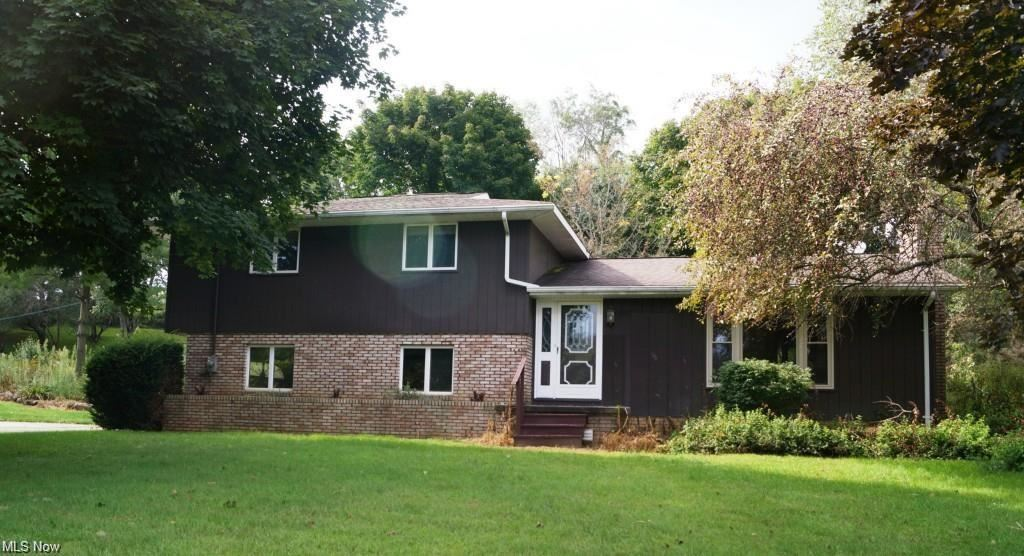 Photo of 881 Roswell Road, Carrollton, OH 44615 (MLS # 4303819)