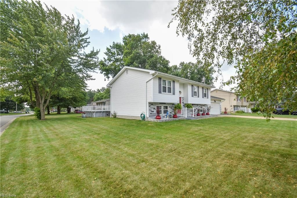 Photo of 4821 Pine Trace Street, Austintown, OH 44515 (MLS # 4303839)