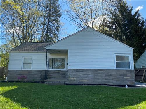 Photo of 227 S Bon Air Avenue, Youngstown, OH 44509 (MLS # 4302845)