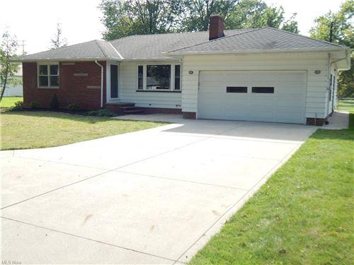 Photo of 6298 Crossview Road, Seven Hills, OH 44131 (MLS # 4314870)