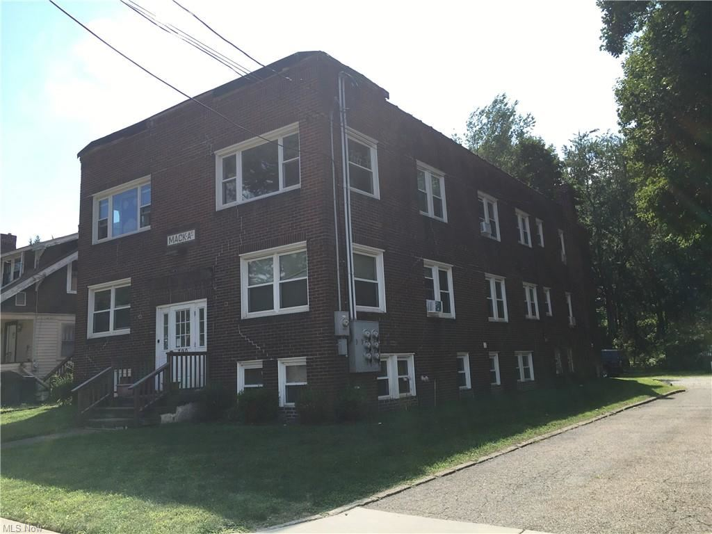 Photo of 390 Massillon Road #2, Akron, OH 44312 (MLS # 4327871)