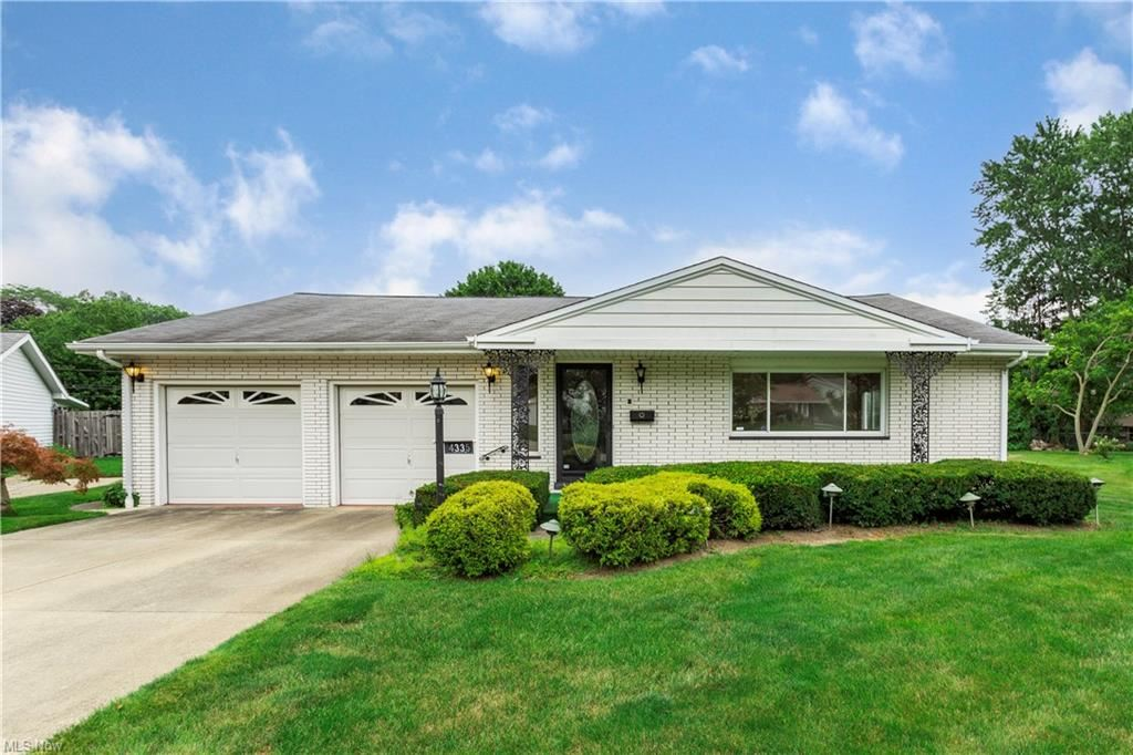 4335 Plumwood Drive, North Olmsted, OH 44070 - #: 4303882