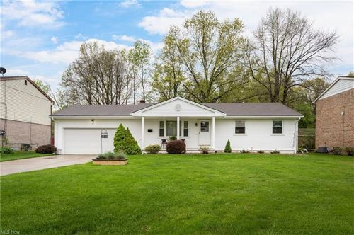Photo of 3968 South Schenley Avenue, Youngstown, OH 44511 (MLS # 4275893)