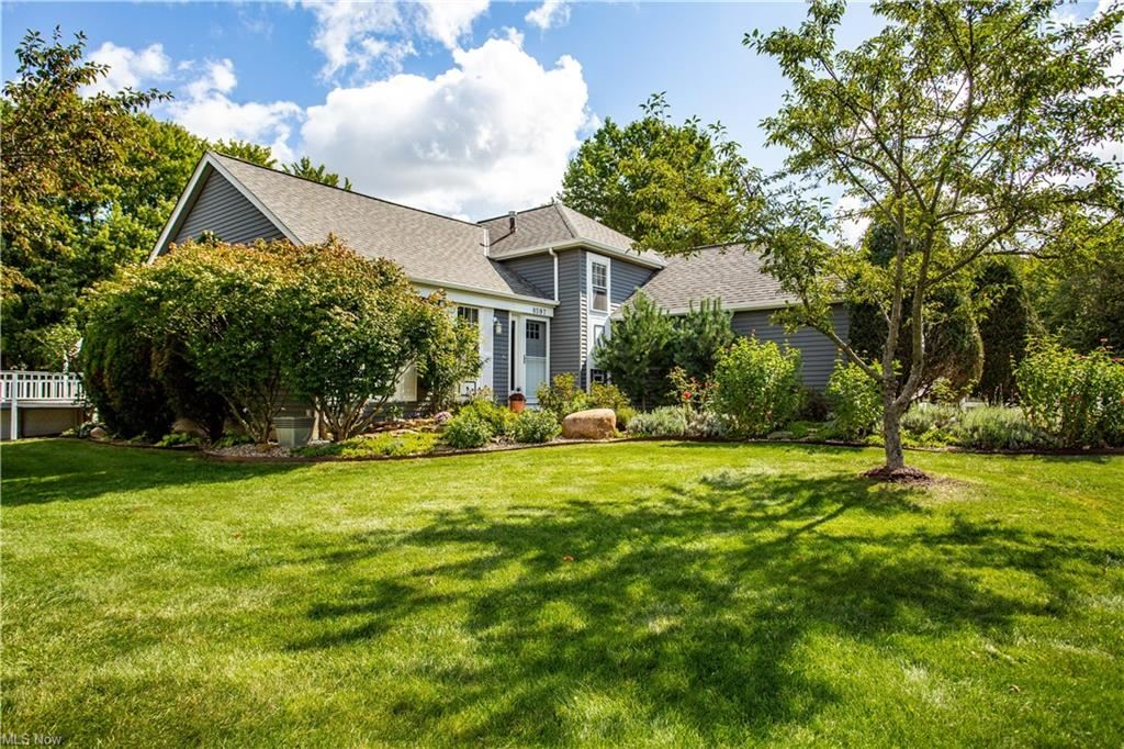 8597 Oakridge Drive, Olmsted Township, OH 44138 - #: 4315932