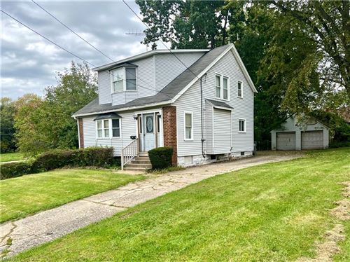 Photo of 316 E Florida Avenue, Youngstown, OH 44507 (MLS # 4323933)