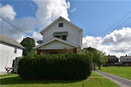 Photo of 2625 Hunter Avenue, Youngstown, OH 44502 (MLS # 4211935)