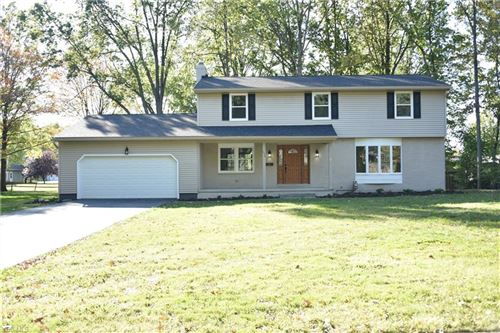 Photo of 554 Barbcliff, Canfield, OH 44406 (MLS # 4142946)