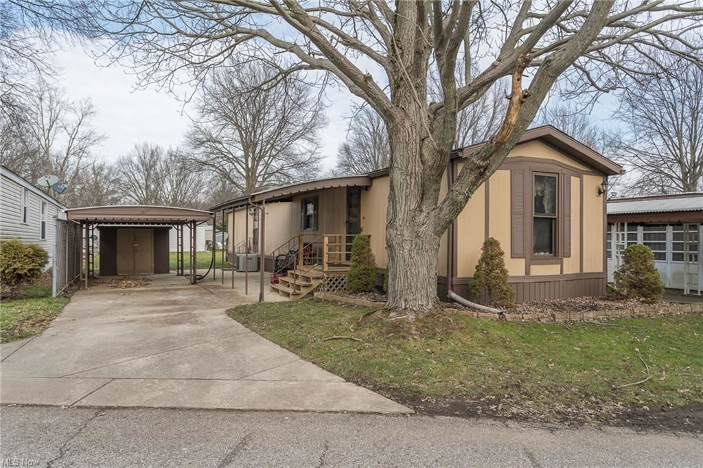 18 Flagler Drive, Olmsted Township, OH 44138 - #: 4248953