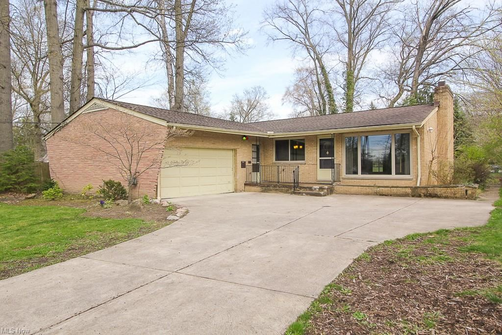 3849 Eleanor Drive, North Olmsted, OH 44070 - #: 4264958