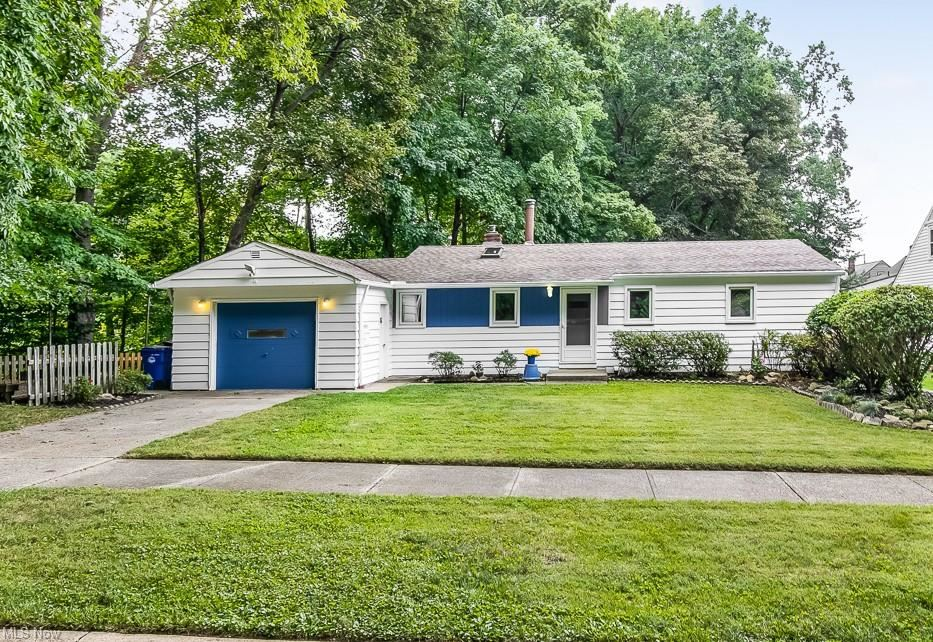 18401 Golf View Drive, Cleveland, OH 44135 - #: 4315962