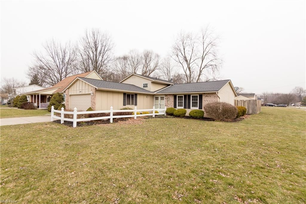 8699 Brentwood Drive, Olmsted Township, OH 44138 - #: 4249963